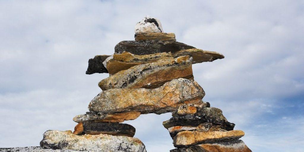 what do stacked rocks mean_trekkerr