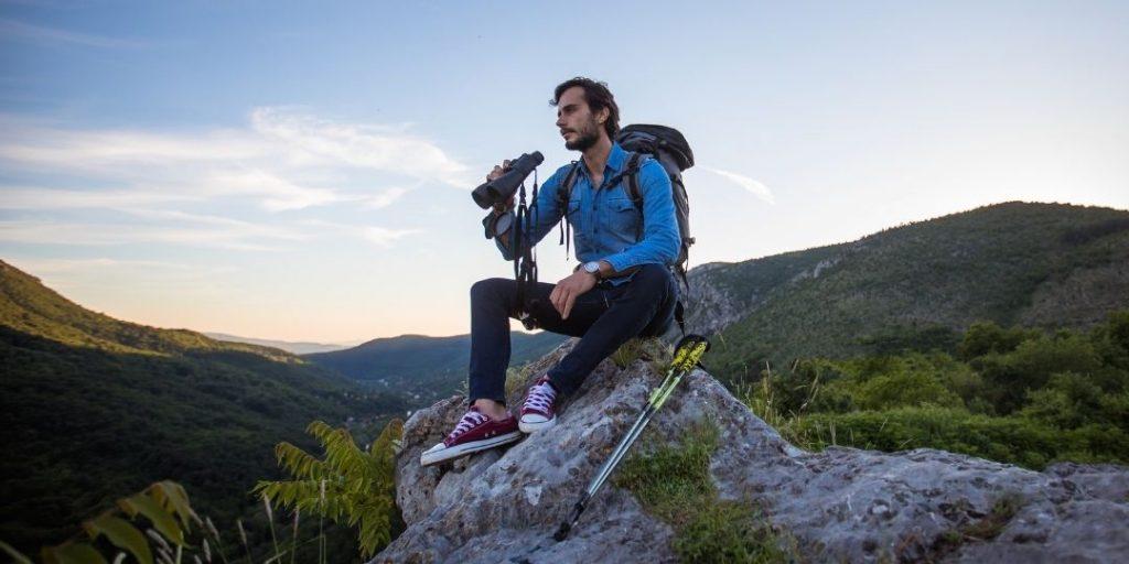 Best Binoculars for Hiking and Backpacking_Trekkerr