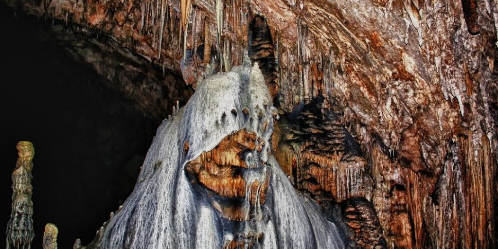Interesting Carlsbad Caverns Facts All We Need To Know_Trekkerr