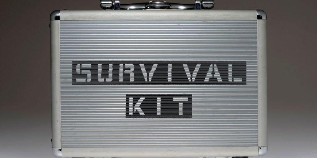 The Best Survival Kits for Emergencies_Trekkerr
